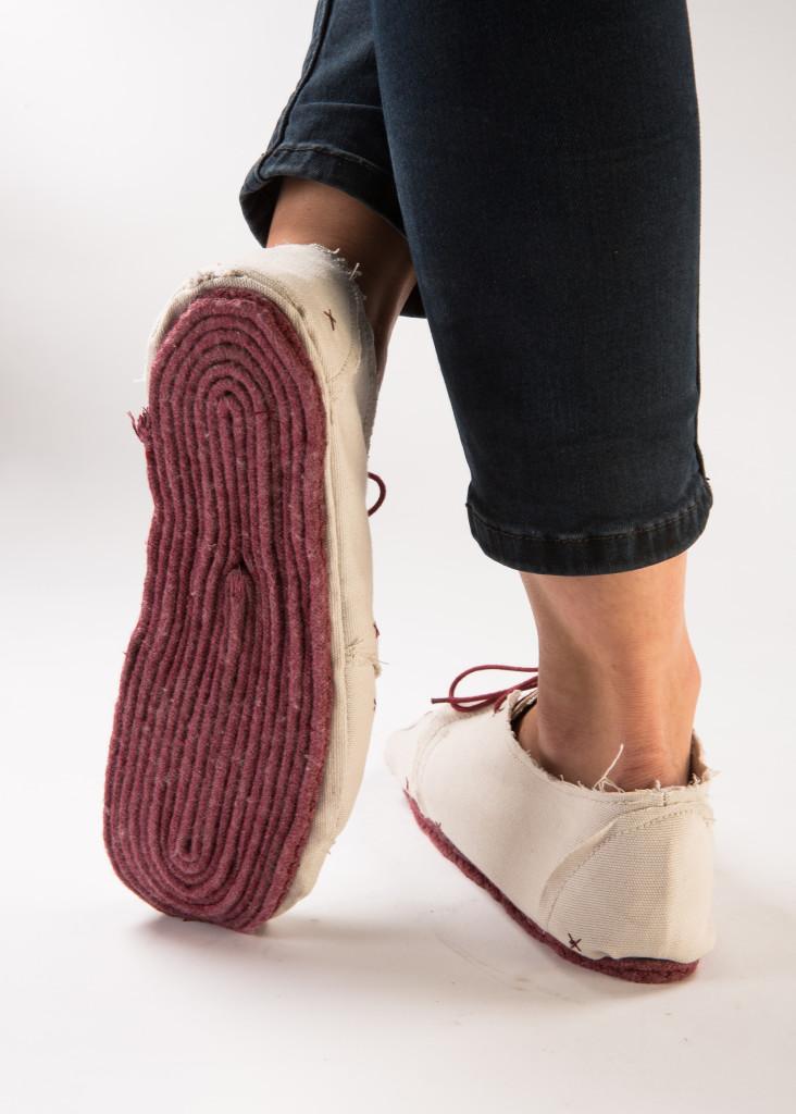 disposable shoes / Lou Moria