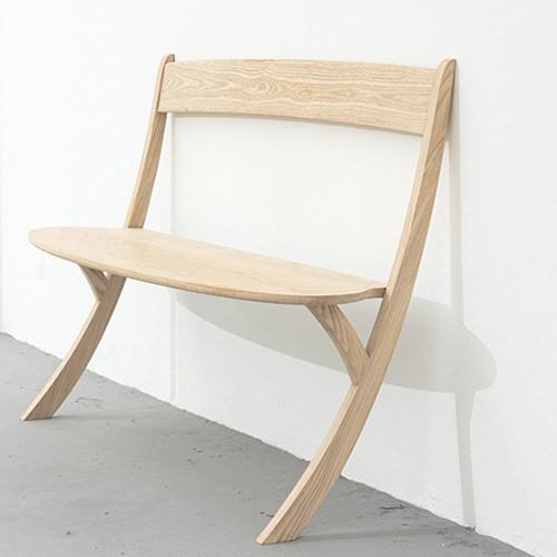 leaning bench/ izabela boloz